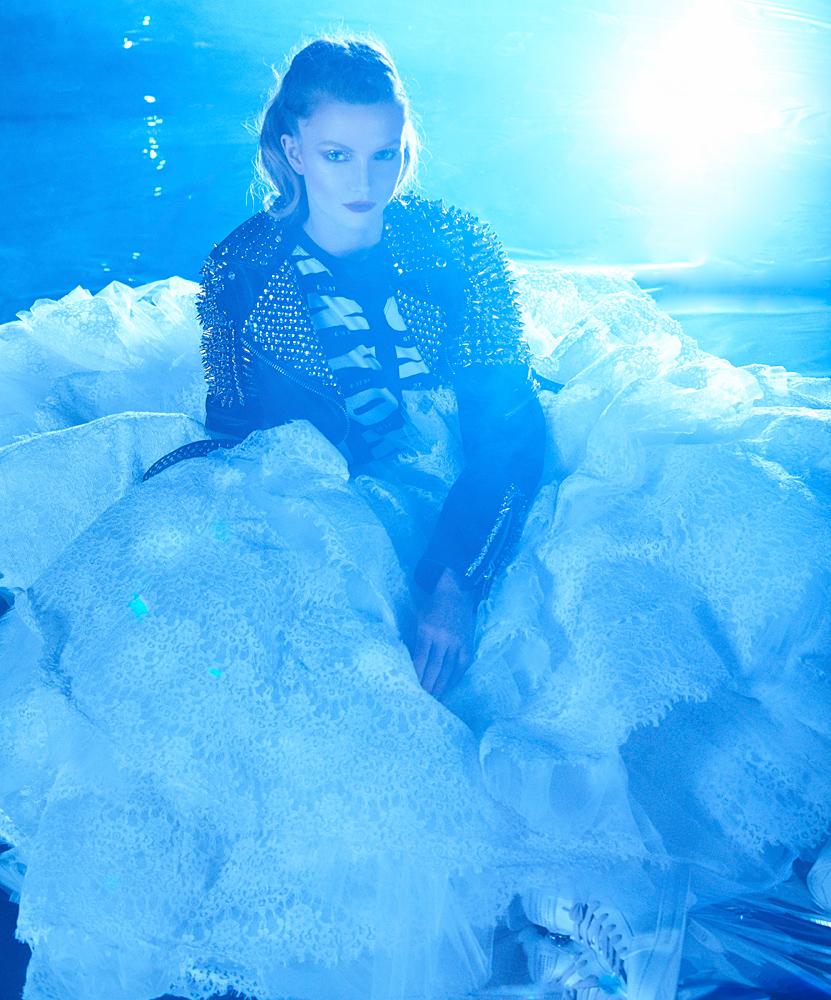Underwater Fashion Photography Michael David Adams Photographer Letecia Price Cirque Du Soleil Amaluna Moontstruck